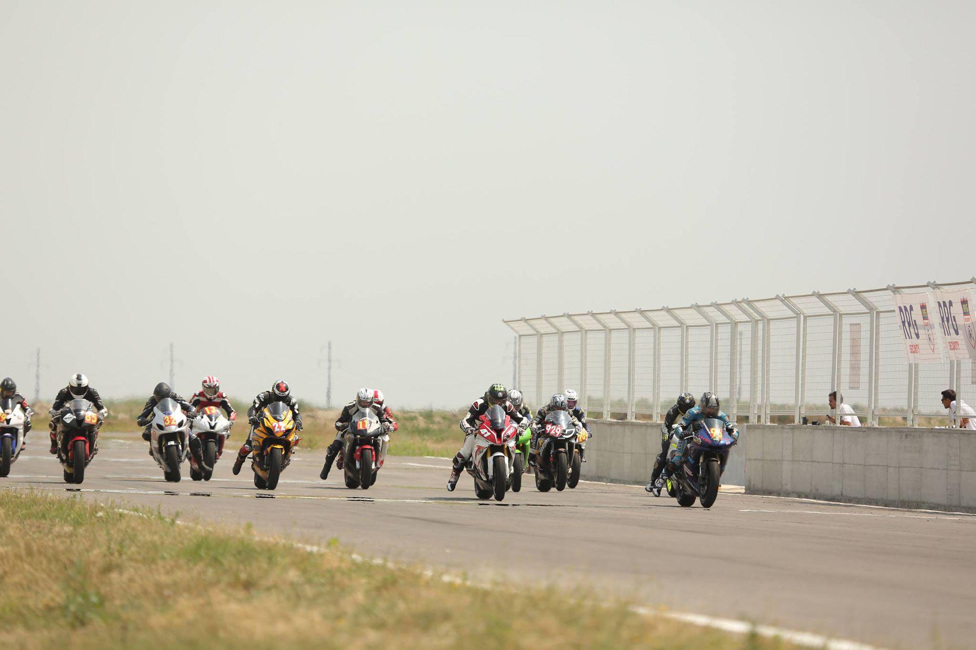 Daniel Onoriu s-a impus categoric în cea de-a doua etapă a Campionatului Naţional de Motociclism Viteză