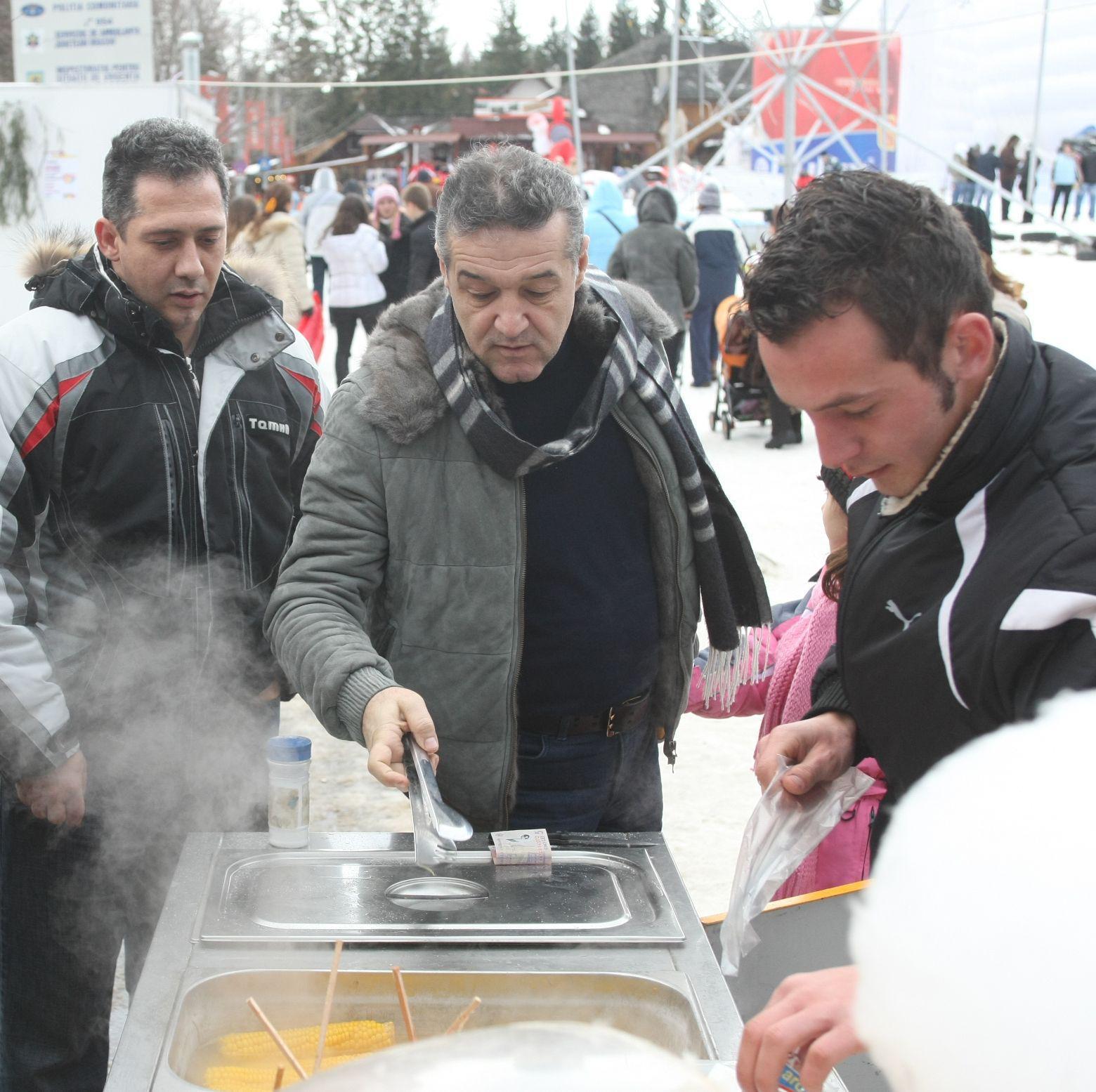 Steaua duce dorul unor fotbaliști adevărați, dar Gigi Becali dă banii pe petreceri private! Revelion de 10.000 de euro la munte! GALERIE FOTO