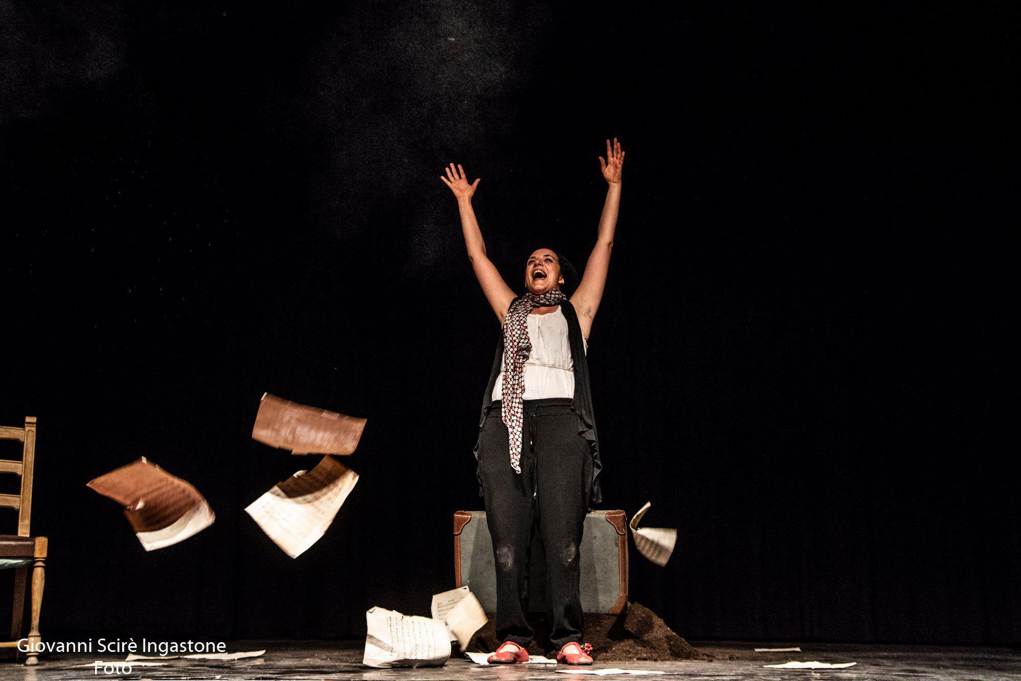Actrița care vrea să pună în scenă Sindromul Italia