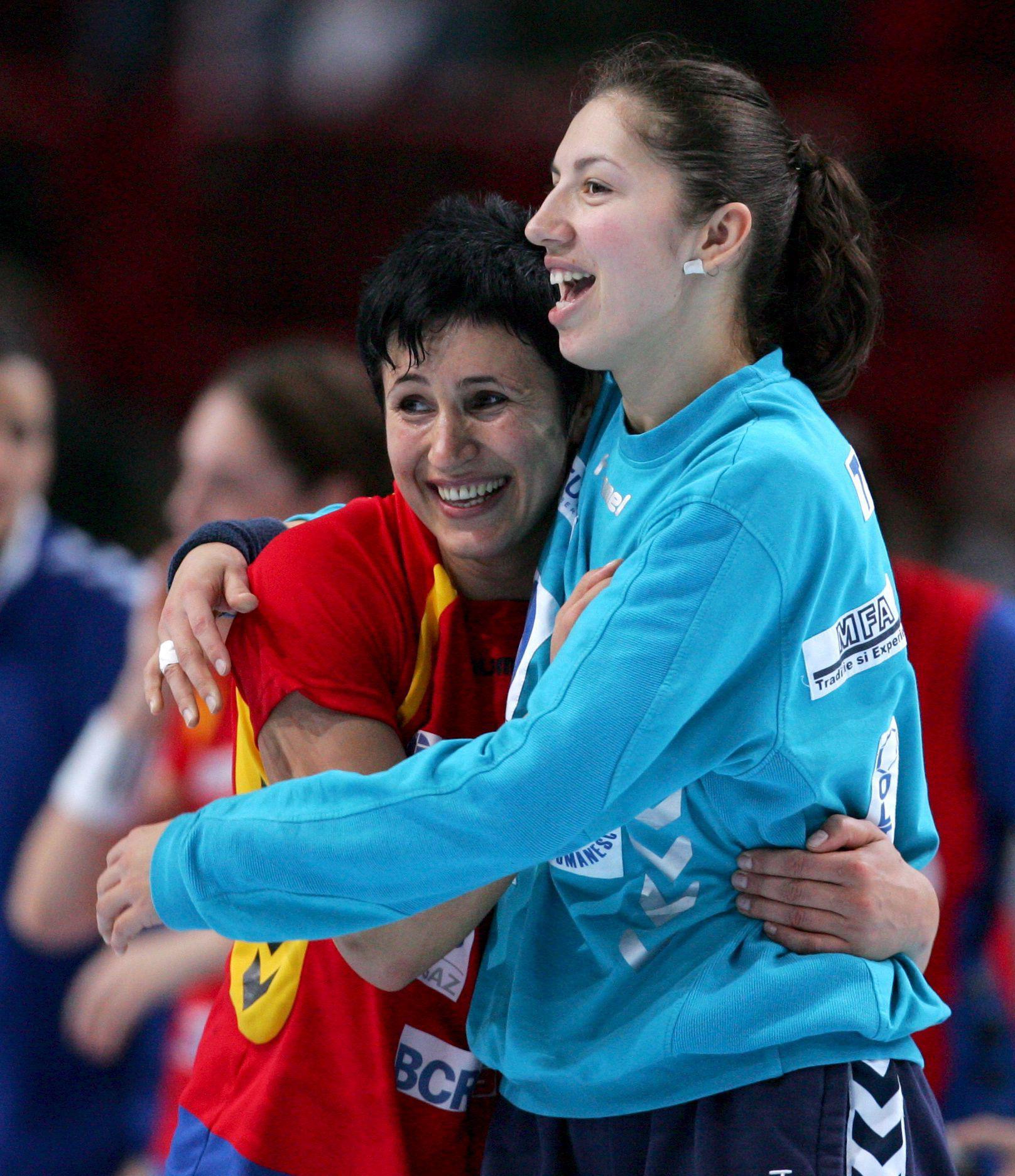 """INTERVIU EXCLUSIV/Talida Tolnai, handbalista medaliată cu bronz la Euro 2010, e vânzătoare în Zalău. """"Am fugit de sport, sunt fericită acum!"""""""