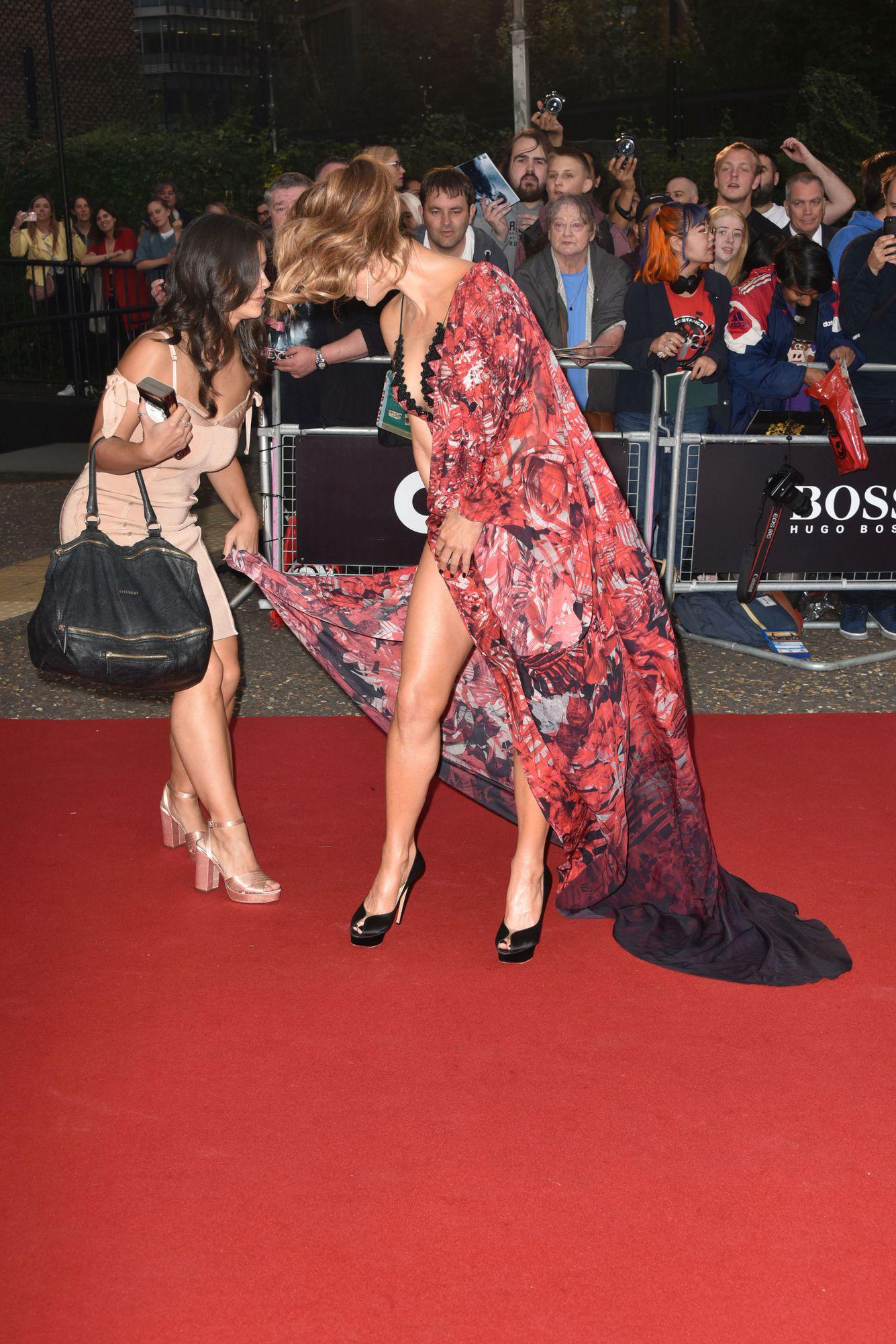 Ce trup superb ascunde Kate Beckinsale sub haine. L-a expus în toată splendoarea pe covorul roșu | FOTO