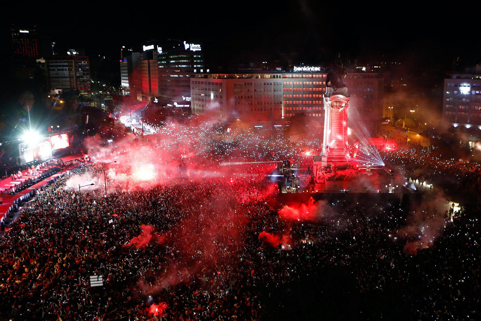 Benfica wins the Portuguese Soccer First League