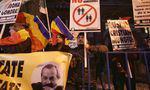 """Noua Dreaptă a protestat la MȚR, față de redifuzarea filmului """"120 de bătăi pe minut"""""""