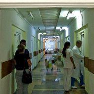 O asistentă din Timișoara și-a dat demisia: n-a vrut să consulte neechipată o pacientă cu febră. Reacția managerului