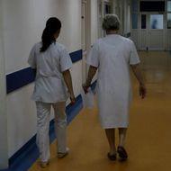 În timp ce alte țări apelează la medici pensionari, 90 de asistente medicale și infirmiere, concediate, în plină pandemie, la Iași