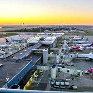 Ce zboruri se reiau în curând din România. 15 reguli noi pentru călătoria cu avionul în lunile următoare