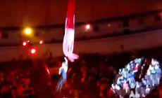 O tânără acrobată de la circ a căzut de la înălțime sub privirile îngrozite ale unor copii!