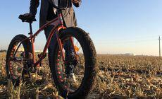 """Horia Brenciu a mers 40 de kilometri pe bicicletă  pentru clipul piesei. """"Sunt cine vreau să fiu"""""""