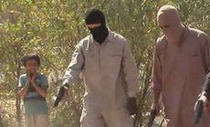 FOTO. Cinci prizonieri, executați de călăii Statului Islamic în fața unui copil îngrozit. Imaginea care a șocat lumea