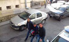Un bărbat din Argeș, acuzat că și-a omorât în bătaie propria mamă. Femeia a fost găsită pe stradă cu capul strivit