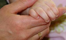 O fetiță de 8 luni a stat cinci zile în comă și a fost la un pas de moarte din cauza unui sărut