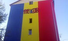 Blocul zugrăvit în tricolor la Timișoara îi aduce administratorului o amendă. Cum s-a ajuns aici