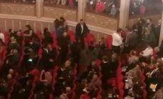 FOTO| Un candelabru de la Opera din București s-a spart deasupra spectatorilor