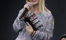 """Delia a venit între două concerte la Gala Elle Style Awards 2018 și a """"împușcat"""" două premii la Gala Elle Style Awards 2018"""