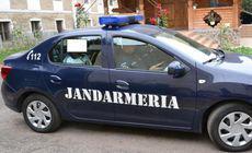 """""""Suverani"""" și """"oameni vii"""" scoși cu forța de jandarmi de la Tribunalul Vrancea"""