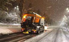 Iarna a lovit România! Ninsori și vânt în 32 de județe și în București. Pe ce drumuri naționale sunt probleme
