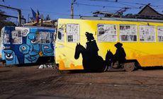 Două tramvaie pictate cu elemente culturale din Grecia, Spania, Suedia și România circulă prin București