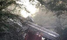 Tren deraiat în Georgia, SUA. 30 de vagoane, unele încărcate cu gaz propan au ajuns pe carosabil și un oraș întreg a fost evacuat