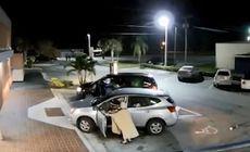 VIDEO   Momentul terifiant în care o bătrână este călcată de mașina hoțului pe care îl urmărise pentru a-și recupera poșeta