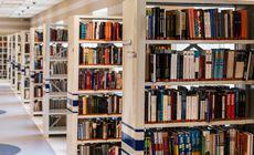 Un individ a furat 222 de cărți de la o bibliotecă, printr-o metodă ingenioasă. Cum s-a descurcat mai mulți ani