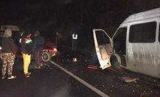 Un microbuz a fost spulberat pe DN76, în Bihor. Şase copii au fost răniţi, iar șoferul este în stare critică