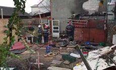 Explozie urmată de incendiu la Costineşti. Un bărbat a murit