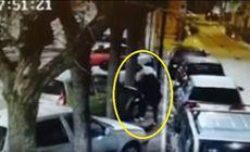 Italian, filmat în timp ce distruge mașini cu numere românești. A făcut prăpăd după o ceartă cu un român / VIDEO