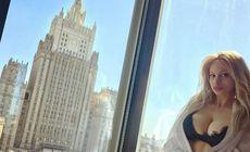O blondă din Serbia rupe gura târgului cu formele sale. Se laudă că e sută la sută naturală | FOTO