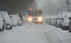 Vremea rea continuă și azi în România. Oameni blocați în trenuri din cauza codului portocaliu de ninsori și viscol! Nu sunt drumuri naționale blocate sau închise
