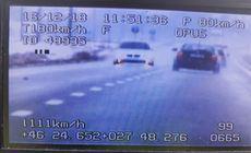 FOTO/ Un șofer a primit o amendă record pentru România, de peste 10.000 de lei. A fost urmărit de trei echipaje de poliție și a rămas fără permis