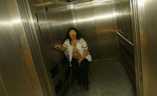 Reacția liftierei de la Spitalul de Urgență Craiova, acuzate că a cerut șpagă din cadourile pentru copiii bolnavi de cancer