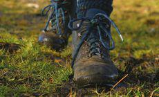 Un bărbat a ajuns la spital după ce și-a mirosit prea mult șosetele murdare