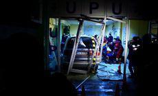 Bărbatul care a intrat cu mașina prin ușile Spitalului Craiova a fost reținut. Ce acuzații i se aduc