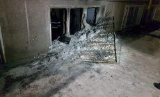 Doi copii sunt în stare gravă după ce un incendiu a izbucnit în locuința lor. Ambii au fost transportați de urgență la spital