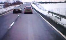 VIDEO | Manevră extrem de periculoasă făcută de un șofer pe un drum din România. Un accident grav a fost evitat în ultimul moment!