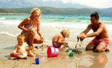 Angajaţii din privat ar putea primi şi ei vouchere de vacanţă. Proiect PNL depus în Parlament
