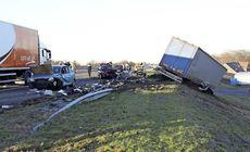 Un șofer român a intrat cu camionul într-o coloană de mașini în Olanda. A ucis un om și a rănit alți cinci / FOTO&VIDEO