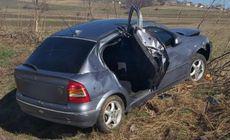 O femeie a murit şi alta a fost rănită, după un carambol cu trei mașini pe E85