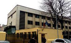 Bărbat arestat pentru tentativă de omor, găsit mort în Centrul de Reținere al Poliției Capitalei