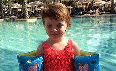 O fetiță de trei ani a murit pe aeroport, în ultima zi de vacanță alături de familia ei