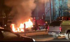O mașină a luat foc pe stradă în București!
