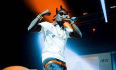 Rapperul Kodak Black, arestat în New York pentru posesie de armă de foc şi droguri, eliberat condiționat