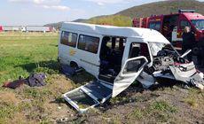 UPDATE | Accident grav pe DN1, în judeţul Cluj. Un microbuz plin cu elevi s-a răsturnat: 11 răniți, dintre care 8 minori