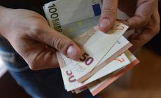 O româncă a fost arestată pentru că a păcălit un bătrân. Cum l-a făcut să-i dea 78.000 de euro