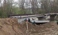 Plan roșu de intervenție în Gorj. Șapte oameni răniți după ce o traversă a unui pod în lucru a căzut peste muncitorii aflați în zonă