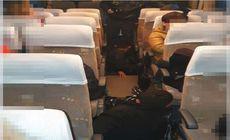 Șase cetăţeni străini încercau să intre ilegal în România, prin Giurgiu. Erau ascunşi sub podeaua unui autocar