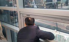 Parlamentar sechestrat în biroul său de rivalii politici, din cauza unei legi pe care urma să o voteze
