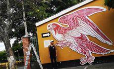 Un tânăr a pictat cu sânge uman pe pereții unei școli!