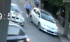 Un șofer l-a lovit cu violență pe un bătrân pentru că i-a spus să încetinească! Soția victimei a asistat la atacul sălbatic