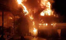 Incendiu puternic la o locuință în Zlatna. Pompierii au intervenit de urgență